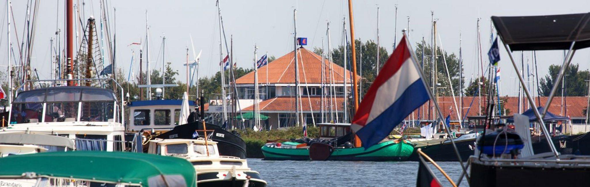 Neem eens een kijkje in onze haven,</br>u bent welkom aan boord!